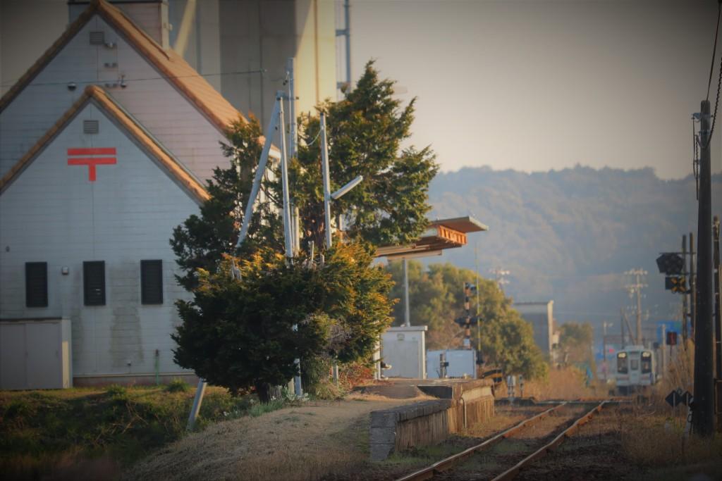 冬の敷地駅